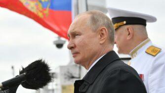 Vladimir Putin parata militare Marina russa (La Presse)