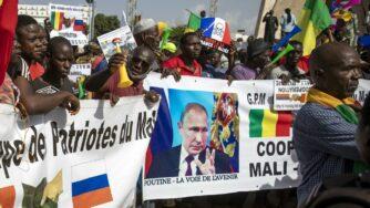 Mali, proteste contro la Francia in favore della Russia (La Presse)