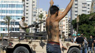 Le proteste in Libano a metà ottobre 2021 (LaPresse)