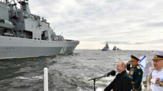 Russia, festa della Marina (La Presse)
