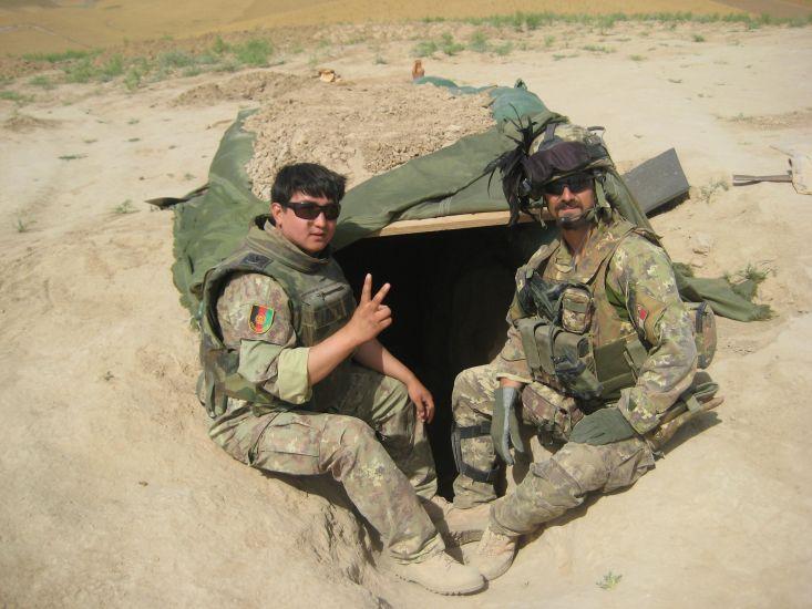 Abbas Hamadi con un soldato italiano