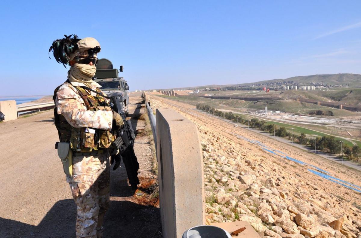 Bersagliere di guardia sulla diga di Mosul DSC_0759