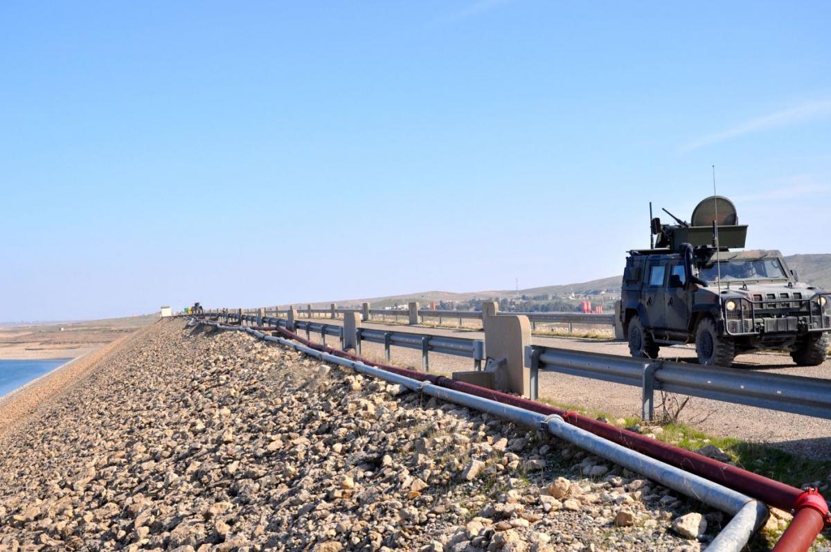 Blindato Lince sulla diga di Mosul DSC_0771
