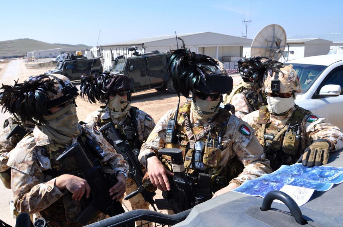 I bersaglieri che presidiano la diga di Mosul DSC_0694