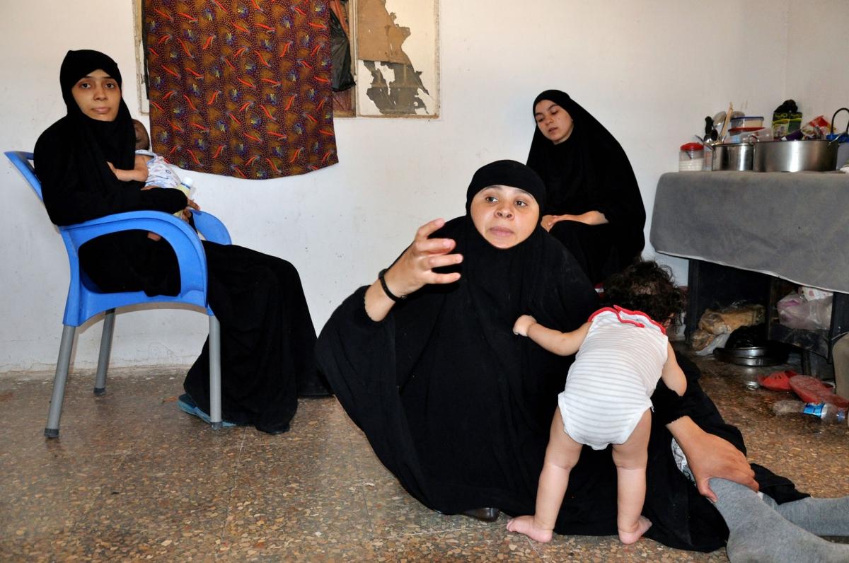 Le mogli dei combattenti stranieri dell'Isis i mariti sono in carcere In primo piano la tunisina che ha conosciuto la jiahdista italiana Sonia Khediri DSC_0313