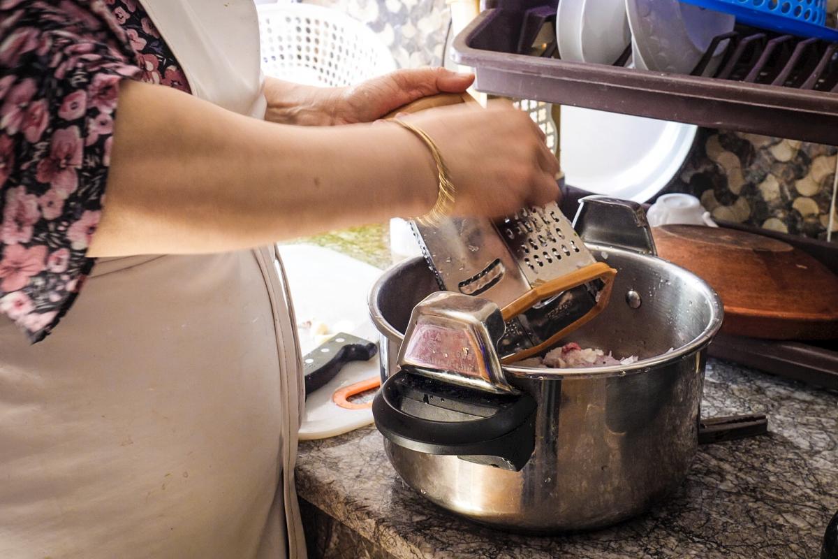 donna_cucina