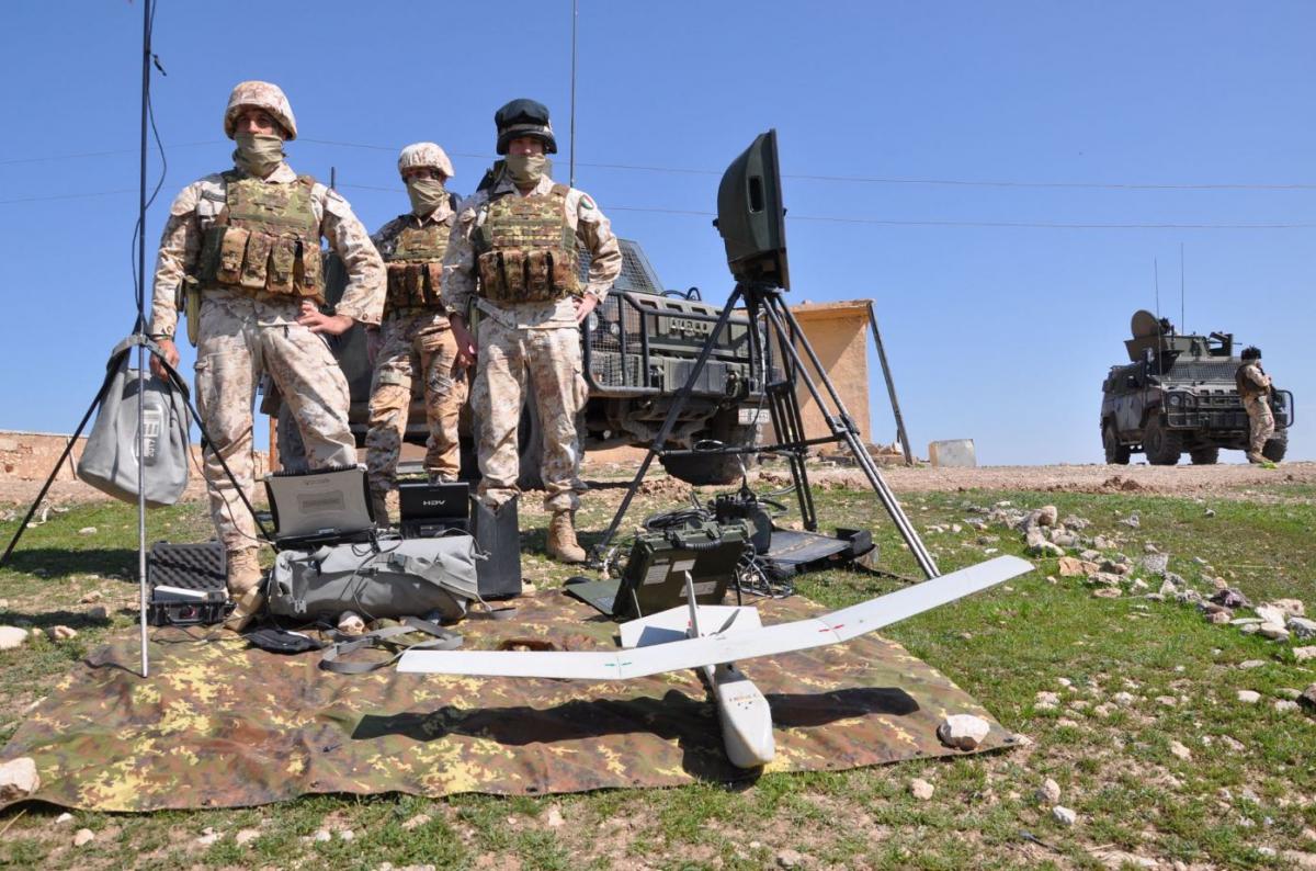 team italiano di osservazione di movimenti sospetti con il drone attorno alla diga di Mosul DSC_0741